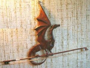 kattrend - dragon_with_bow
